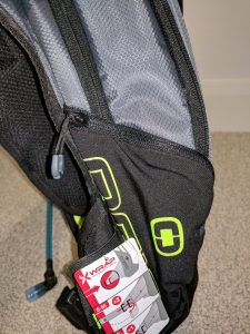 Ogio Dakar 3L Hydration Pack Review Right Side pocket