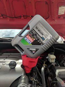 Toyota Tundra 5.7 Oil Change Oil Fill